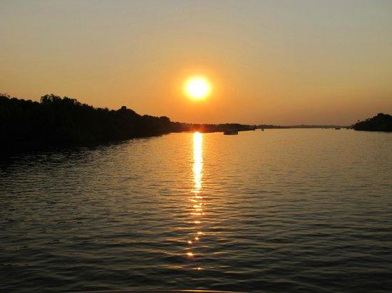 Zambezi River: sunset