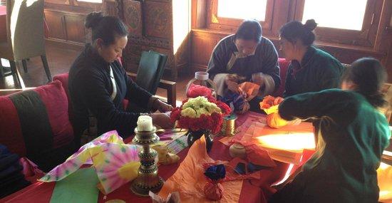 Songtsam Shangri-la (Lugu) Hotel: Prepare Christmas gifts