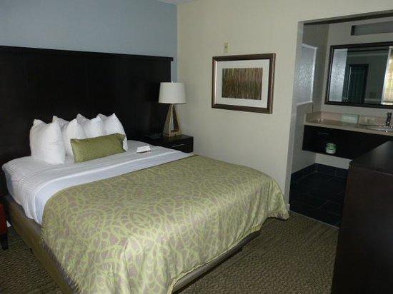 Staybridge Suites Torrance : Bedroom 2