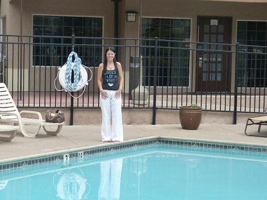Staybridge Suites Torrance: Hotel Pool Area