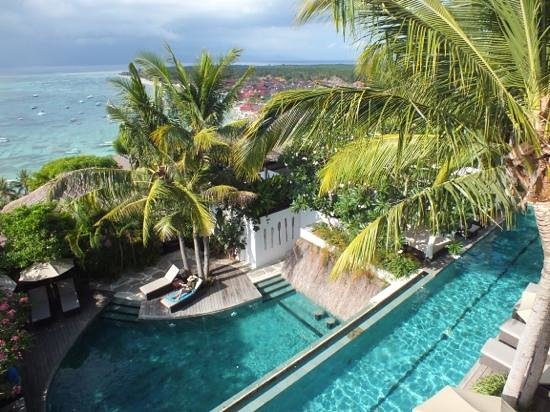 Batu Karang Lembongan Resort & Day Spa: hotel swimming pools