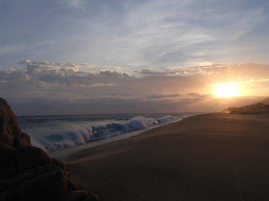 Pueblo Bonito Sunset Beach Golf & Spa Resort: Beautiful Sunset on the beach