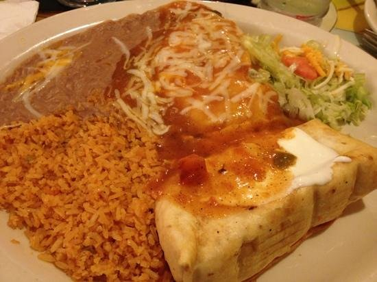 Acapulco Mexican Restaurant: chimichanga and chili relleno