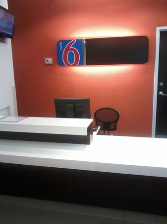 Motel 6 Killeen : lobby newly renovated