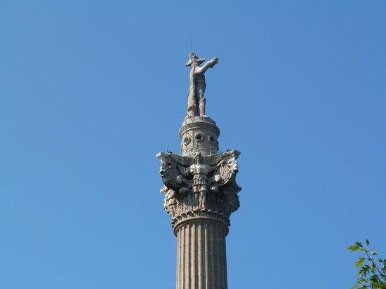Niagara Day Tour: Brock Monument