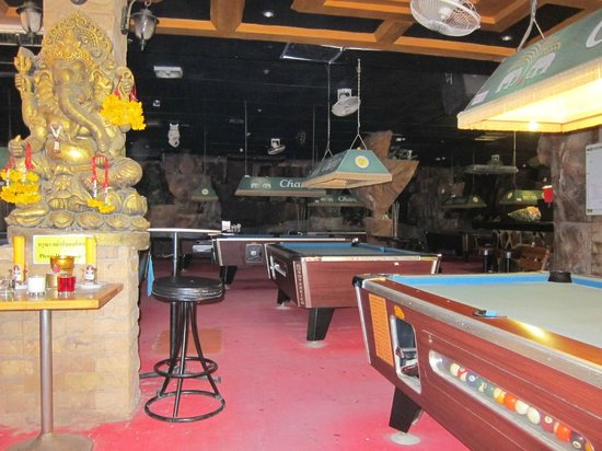 Chang Club Hotel : Pool Tables
