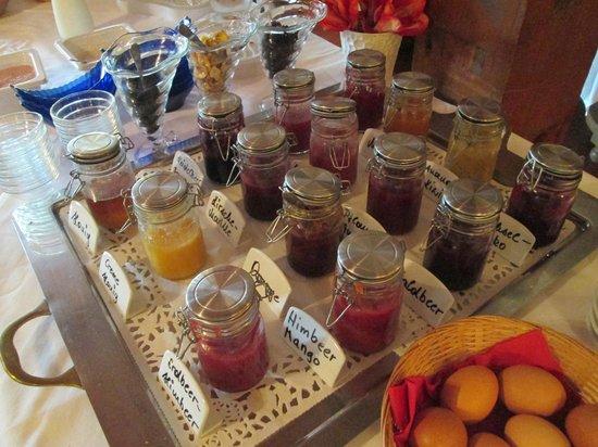 Hotel Heimgartl : Jams available at breakfast