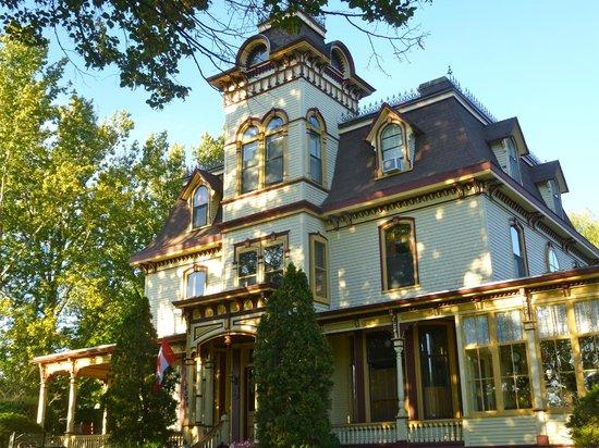 The Clockmakers Inn : B&B exterior
