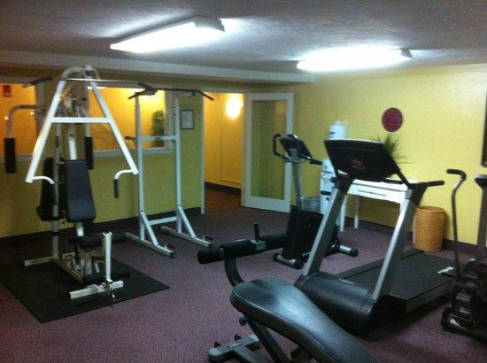 Bayside Resort Hotel: fitness area