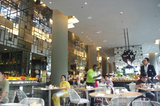 Parkroyal On Pickering Lime Restaurant Serving Breakfast