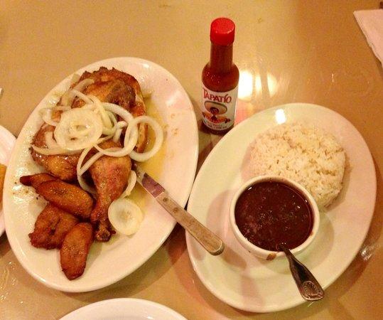 Versailles Restaurant: Garlic Chicken