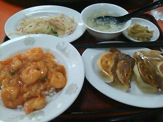Hoanyon: 海老チリ丼と餃子定食 700円