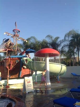 Howard Johnson Anaheim Hotel and Water Playground: awesome kids area