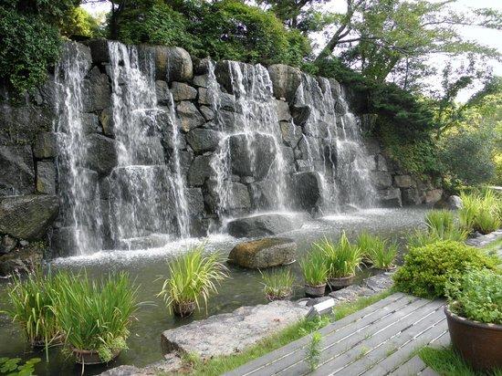 Okayama International Hotel: The waterfall