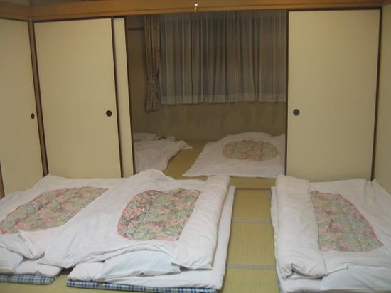 Kurama Onsen: Beds are ready in our hotel room after the dinner