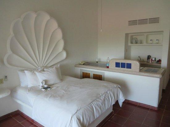 Bahia Hotel & Beach House: Queen Bed