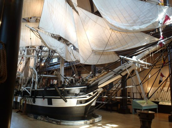 New Bedford Whaling Museum: replica whaling ship