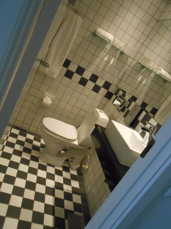 Ascot Hotel: Guess?