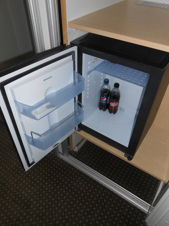Ascot Hotel: Mini Fridge-BIG HELP!