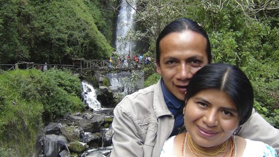 Peguche Waterfall: Tour guide and his girlfriend at the falls.