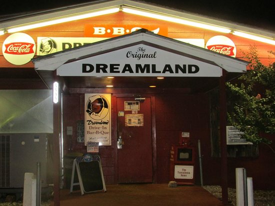Dreamland Bbq Front View