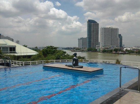Chatrium Hotel Riverside Bangkok: pool area
