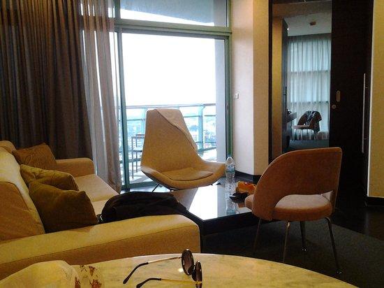 Chatrium Hotel Riverside Bangkok: living room