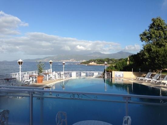 Hotel Le Maquis : the pool