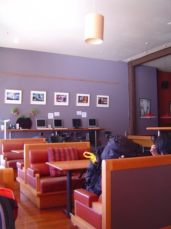 On Top Backpackers: Internet and Coffee Area
