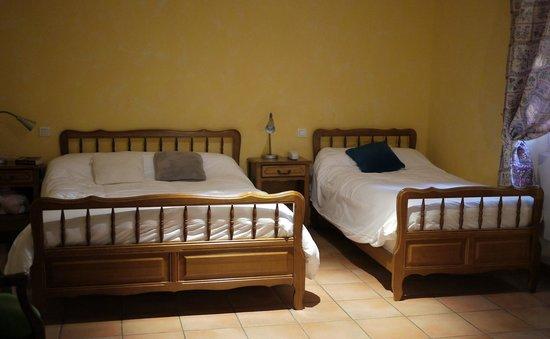 HOTEL DE L'ETANG : Bedroom