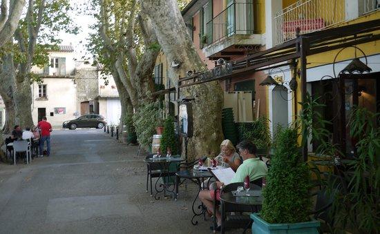 HOTEL DE L'ETANG : Outside