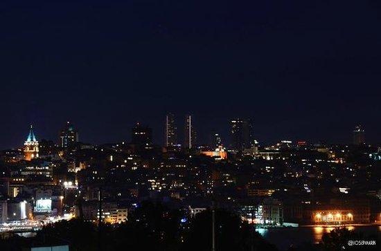 Adamar Hotel : Desde la terraza del hotel: nocturna sobre Galata