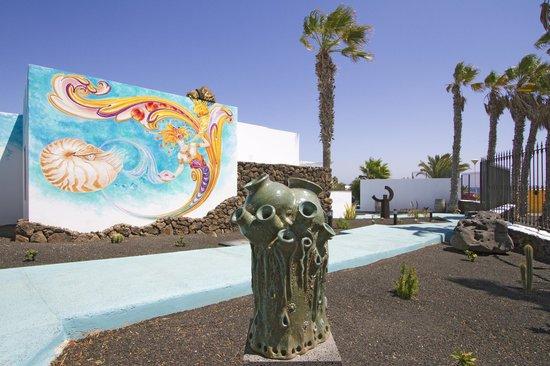 Nautilus Lanzarote : Arte en el jardín