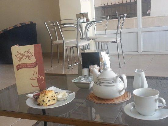 altinkum tearooms: Earl Grey Tea and Scones in Altinkum