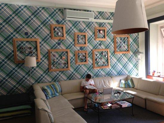 Goodmorning Hostel: Living Room