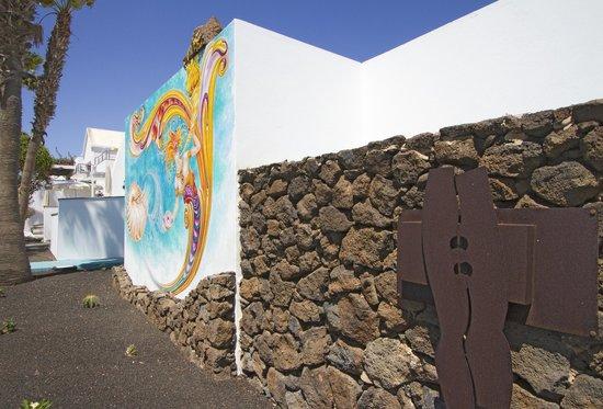 Nautilus Lanzarote: Arte en el jardín