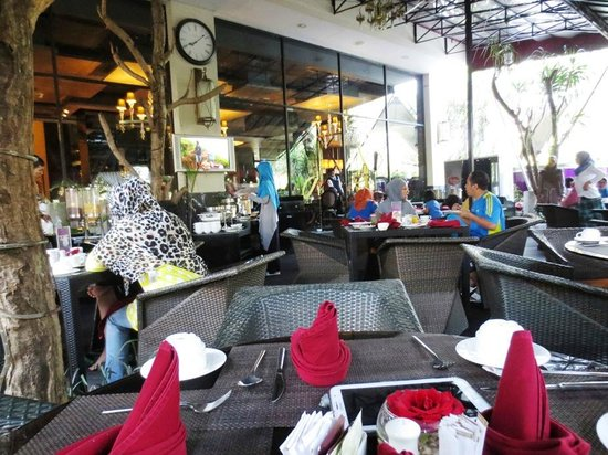 Amaroossa Bandung: Dining Room