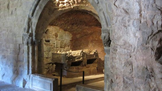 Monasterio de Suso: Tumba