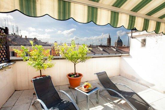 Hotel Genova: Terrace