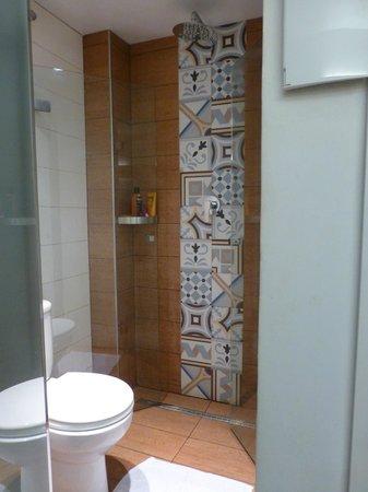 Hostal Mare Nostrum: Dusche und WC sind neu aber winzig