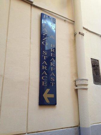 Palazzo Starace Bed & Breakfast: Outside Door