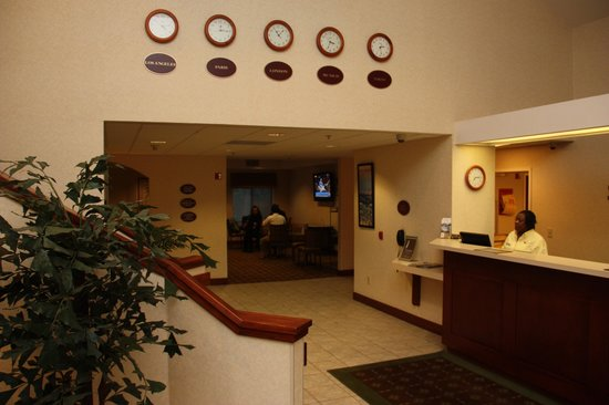Huntersville Inn & Suites: Reception