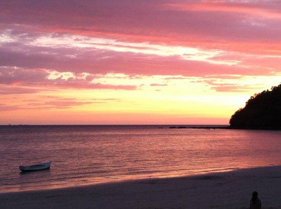 Aviavy Hotel: Watching the sunset...