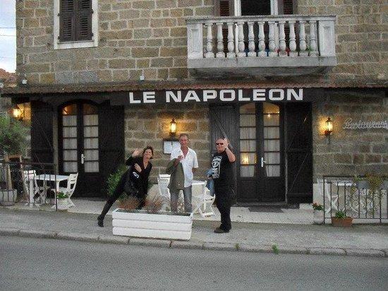 Auberge Napoleon: Avec un couple d'amis..Que du bonheur.