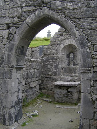 O'Brien Line Ferries : from inside the 10th century st kevin's church