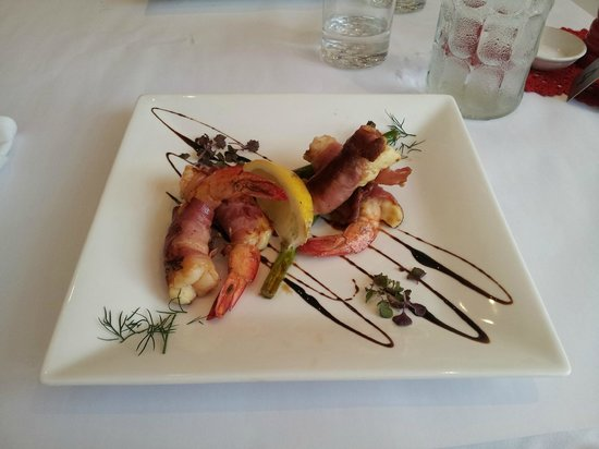 Table Manners: Butterflied prawns with prosciutto @ $22.00