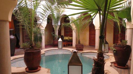 Riad Lena & SPA: Central courtyard