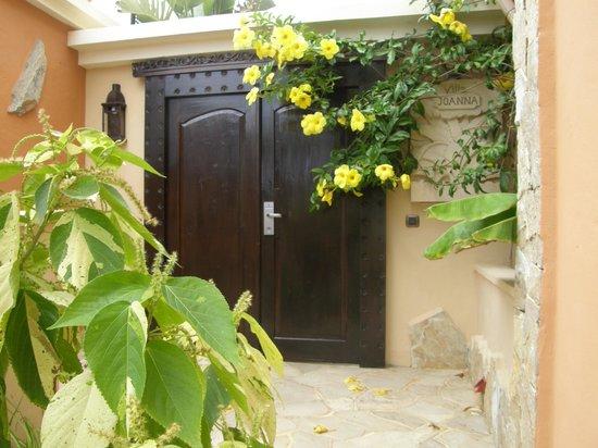 Royal Garden Villas: Entrance to our Villa