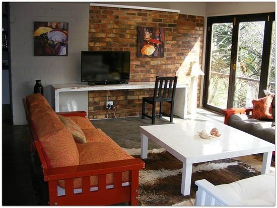 Hornbill House Self Catering Accommodation: Unit 4 living area