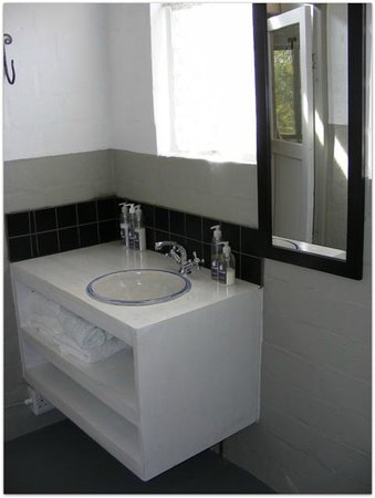 Hornbill House Self Catering Accommodation: Unit 4 Second bathroom with shower & toilet